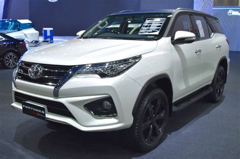 2018 Toyota Innova & 2018 Toyota Fortuner to launch in